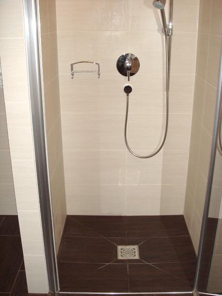 Gebäude Gröbenzell Dusche