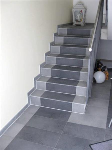 Lackiererei Geissler Wohn- Büro- und Betriebsgebäude geflieste Treppe