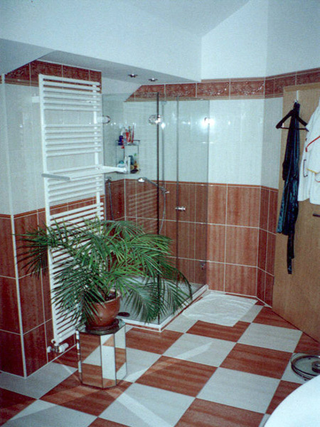 Bad Schachbrettmuster Duschbereich