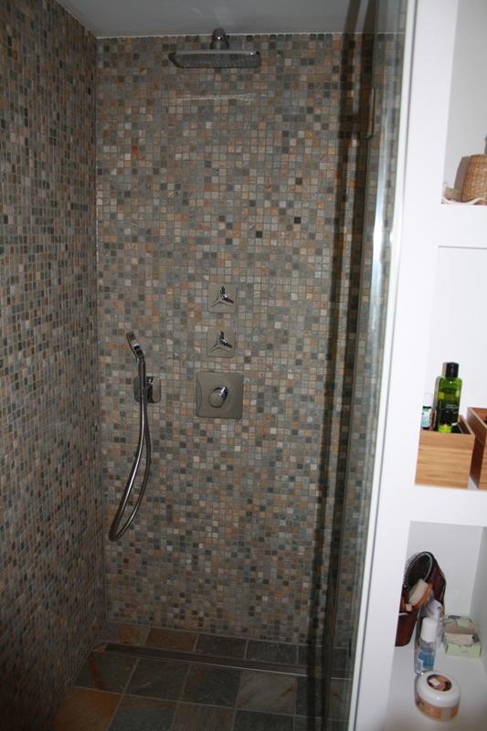 Natursteindusche Mosaik